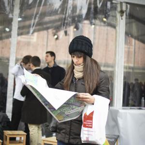 Leggendo il programma di #BCM16 - ph. Alessandra Lanza
