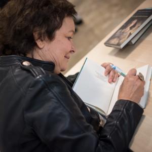 Firmacopie con Clara Sanchez a #BCM17 - ph. Alessandra Lanza