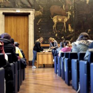 Alla ricerca della pagina da leggere ad alta voce, con l'autrice Olivia Crosio (Sala del Grechetto della Biblioteca Sormani)