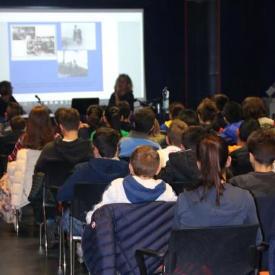 Le classi presenti al progetto Le idee della relatività, presso la Fondazione Arnoldo e Alberto Mondadori
