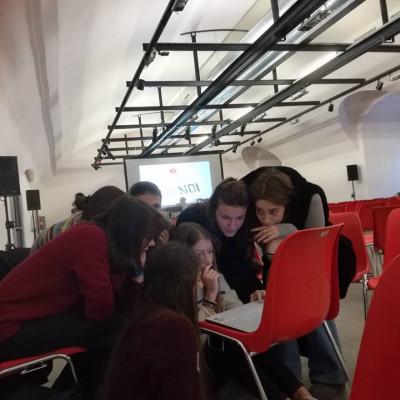 """Alcuni momenti del progetto """"Selfie di noi 6"""" (Liceo Parini di Seregno, presso il Castello Sfornisco)"""